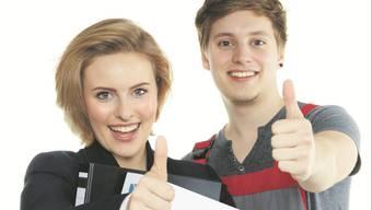 Junge Lernende, die von den Vorzügen der Berufslehre überzeugt sind.