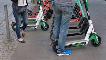 E-Scooter gehören in vielen Grossstädten mittlerweile zum Alltag – so auch in der Schweiz etwa in Basel oder Zürich.