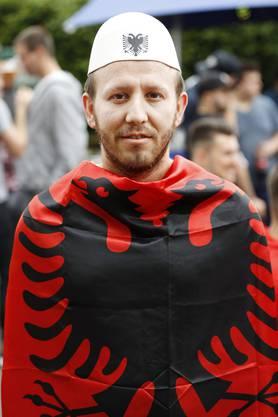 Agron Ramadani, 31, Dulliken; der Plis, die Kopfbedeckung, gehört dazu.