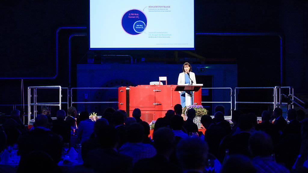 Eine von ganz wenigen: Suzanne Thoma, Chefin des Berner Energiekonzerns BKW, bei der Eröffnunf Kraftwerks Handeck 2. (Archiv)