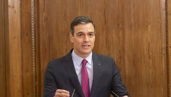 Die grösste katalanische Partei Esquerra Republicana de Catalunya (ERC) hat den Weg für eine Wiederwahl des spanischen Regierungschefs Pedro Sánchez frei gemacht. 13 ERC-Abgeordneten wollen sich bei der Abstimmung im Parlament enthalten. Damit gilt die Wiederwahl von Sánchez als gesichert. (Archiv)