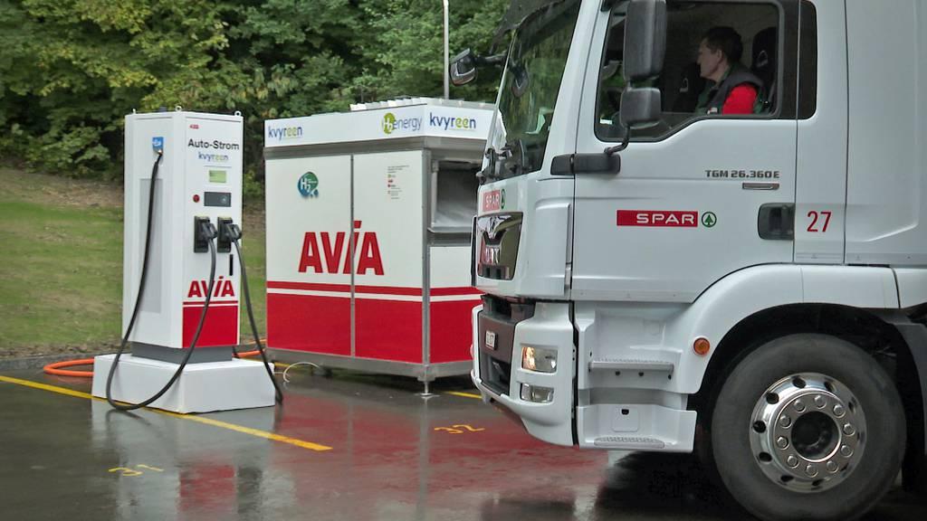 Mobile Wasserstoff-Ladestation für E-Fahrzeuge im Test