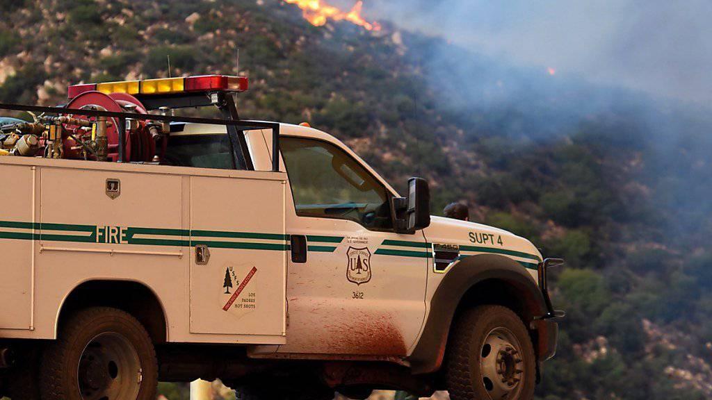 Bereits über 100'000 Hektar zerstört: Aufgrund der verheerenden Waldbrände in Kalifornien haben die Behörden weitere Zwangsevakuierungen angeordnet.
