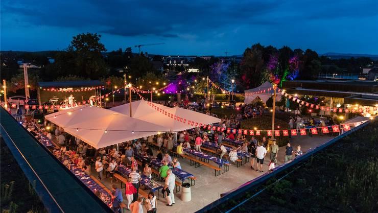 Die Stadt Rheinfelden veranstaltet auf der Kurbrunnenanlage eine der grössten 1.-August-Feiern im Fricktal. Bild: Facebook