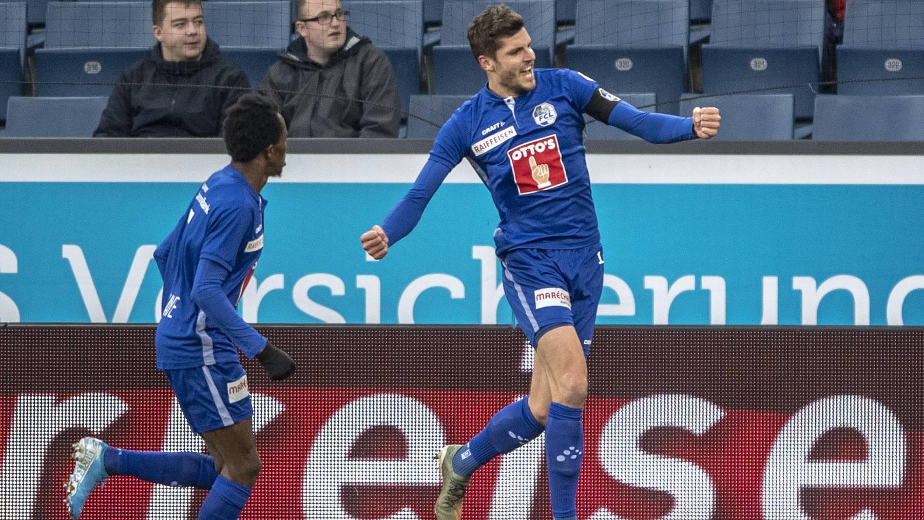 Pascal Schürpf (r.) unhd Ibrahima Ndiaye jubeln über einen Treffer gegen Basel.