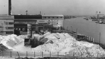 Im Oktober 1972 lagerte Ugine Kuhlmann das Lindan in Huningue (F) sorglos im Freien.