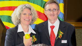 Antje Lässer übernimmt Amt und «SOTV-Smiley» vom scheidenden Kantonalpräsidenten Rolf Kristandl.