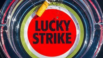 Kaufpreis 49 Milliarden Dollar: Der Tabakkonzern British American Tobacco (BAT) kommt mit einem erhöhten Übernahmeangebot für den US-Konkurrenten Reynolds American doch noch zum Zug.