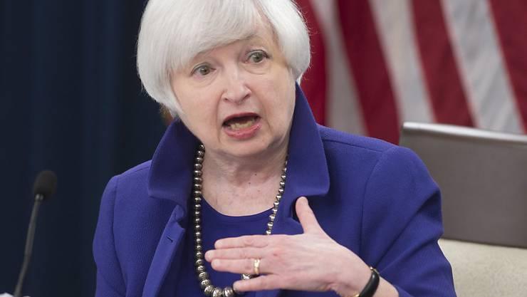 Fed-Chefin Janet Yellen im vergangenen Dezember an einer Medienorientierung: Die US-Notenbank steht einer Zinserhöhung im Juni offenbar näher als gedacht. Das geht aus den April-Protokollen hervor. (Archivbild)