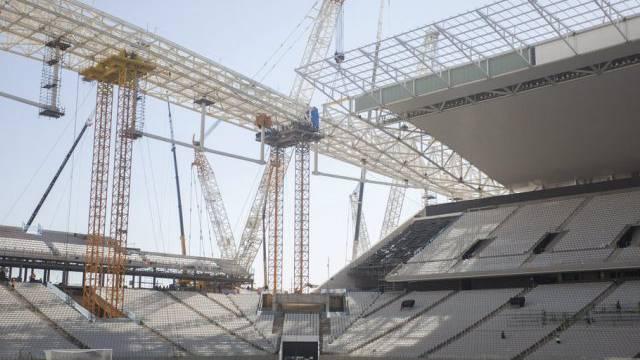 Noch wird gebaut: WM-Stadion in São Paulo (Archiv)