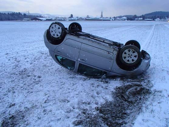 Die Nissan-Fahrerin blieb unverletzt, am Auto entstand Totalschaden.