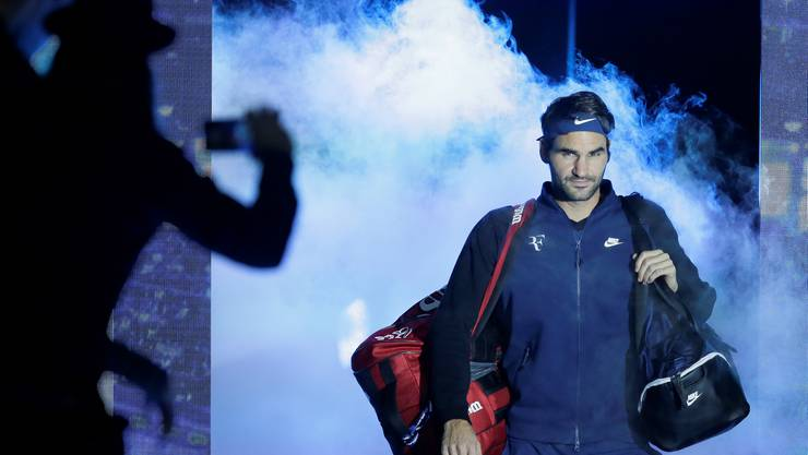 Roger Federer betritt den Court