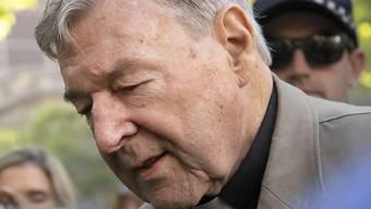 Der des Kindesmissbrauchs für schuldig gesprochene australische Kurienkardinal George Pell ist am Mittwoch zu sechs Jahren Haft verurteilt worden. (Archivbild)