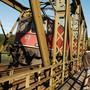 Seit 1994 fahren nur noch Güterzüge über die Eisenbahnbrücke von Koblenz nach Felsenau. Künftig könnten hier wieder Personenzügen rollen.