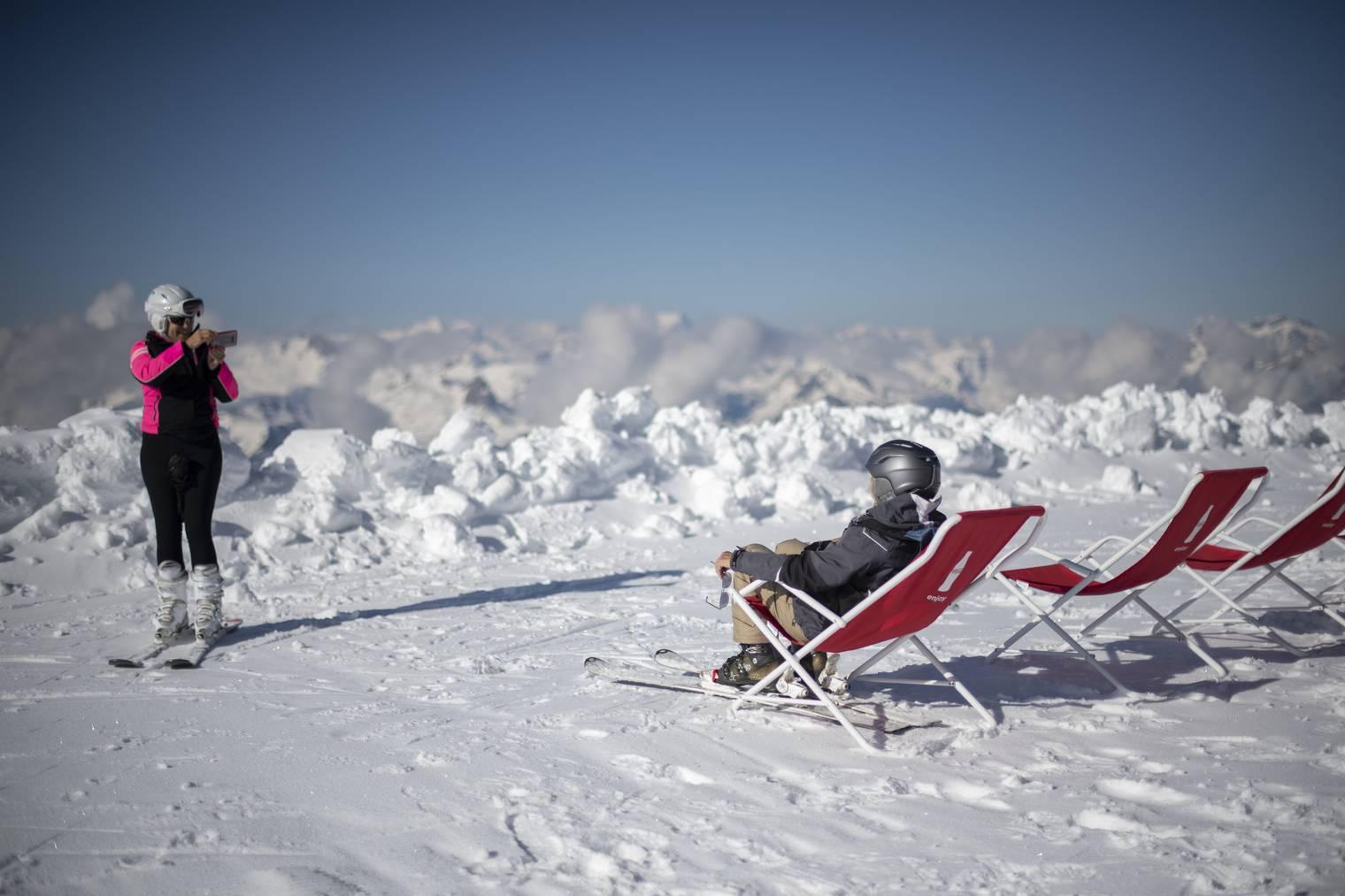 Sonne, Schnee und gute Laune auf dem Chäserrugg. (Bild: Keystone)