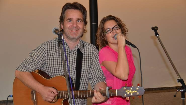 Chris Regez und Martina Meier zogen musikalisch alle Register und begeisterten mit ihrem Western-Spirit.