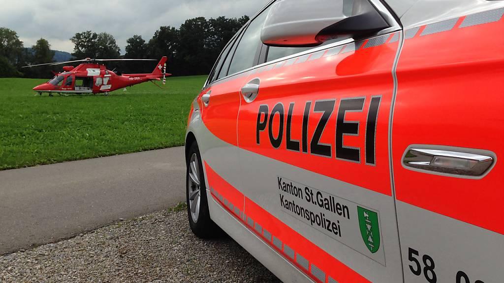 Nach einem Blitzschlag während eines Junioren-Fussballspiels in Abtwil SG befinden sich noch drei der 14 verletzten Jugendlichen im Spital.