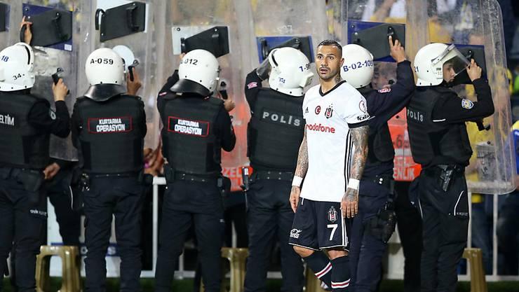 Aufgeheizte Atmosphäre im Istanbuler Derby zwischen Fenerbahce und Besiktas