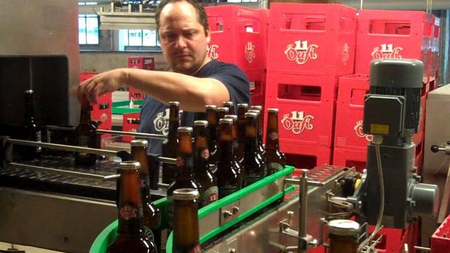 Die neue Flaschenabfüllanlage der Öufi-Brauerei in Solothurn läuft