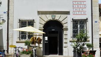Die Stadtbibliothek Olten und deren Öffnungszeiten stehen in der Kritik.