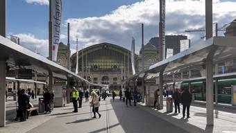 Bei einer tätlichen Auseinandersetzung auf dem Centralbahnplatz in Basel hat sich ein 44-jähriger Mann Verletzungen zugezogen.
