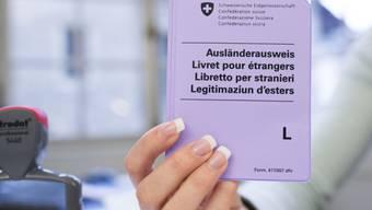 Der Bundesrat bewilligt 4000 Kurzaufenthaltsbewilligungen (Archiv)