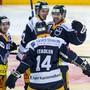 Jubel nach einem turbulenten Spiel: Der EV Zug gewinnt gegen Lugano 6:5