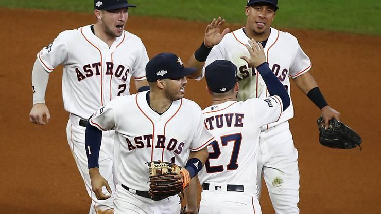 Die Baseballer der Houston Astros klatschen ab
