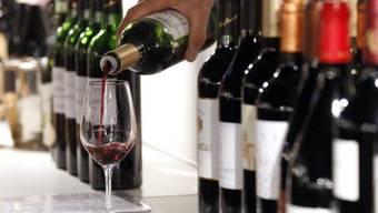 Alkohol soll die Aussprache einer Fremdsprache verbessern, ist ein Forscher überzeugt. Grammatik und Vokabeleinsatz verbessern sich jedoch nicht.