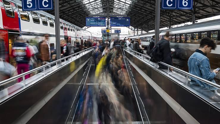 Der Personenverkehr legt zwischen 2000 und 2017 weit über das Bevölkerungswachstum zu: Bahnhof Lausanne.