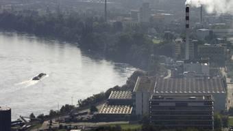 Industrie ist auf Rheinwasser angewiesen (Archiv)