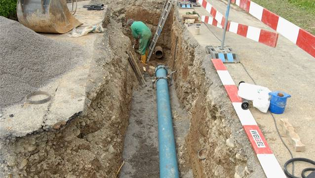Nun wird auch der Ortsteil Mühledorf (Buchegg) mit einer öffentlichen Wasserleitung erschlossen. (Symbolbild).