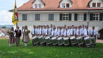 Der Tambourenverein Thal-Laupersdorf ist bereit für den Auftritt in Möhlin.
