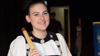 Fanny Kaenzig aus Court gewann 2018 mit ihrem Alphorn den Bergkristall