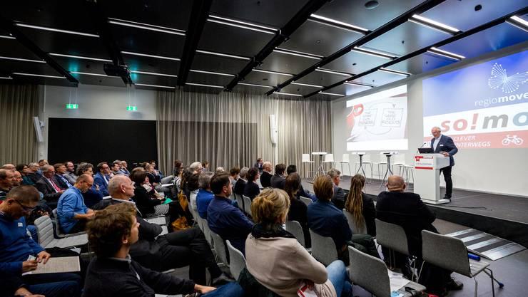 Referent Heinz Vögeli von der Denkfabrik Mobilität rüttelte die Gäste mit einem spannenden, manchmal provozierenden Referat zu den Chancen der Mobilität auf.