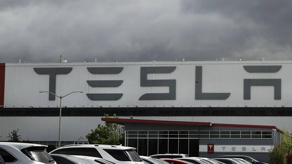 Tesla erzielt den vierten Quartalsgewinn in Folge
