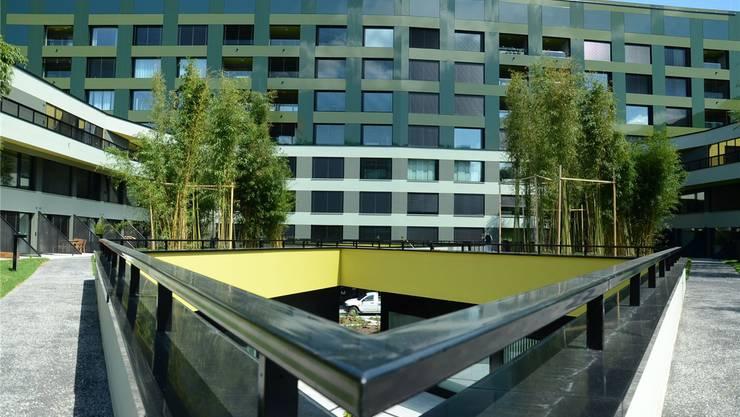 Das Zentrum am Goldschlägiplatz wurde Mitte Jahr eröffnet und ist Bestandteil des neuen Stadtquartiers «Am Rietpark». Florian Niedermann