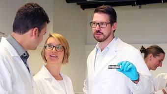 Eine aufgestellte, junge Truppe: Laborchefin Sabine Kressmann (2.v.l.) mit Mitarbeitenden der Hutman.