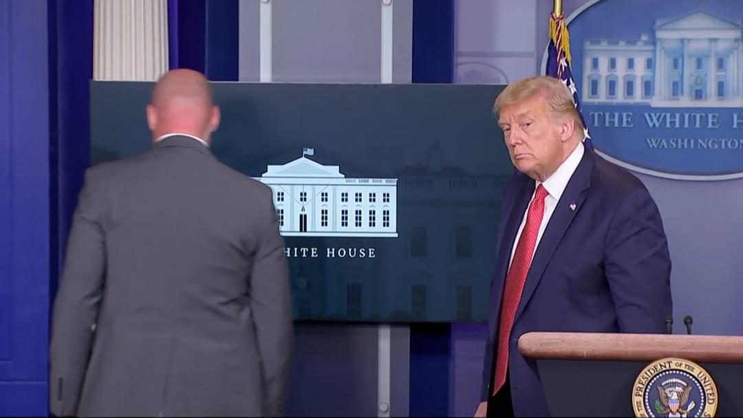 Schüsse vor dem Weissen Haus: Trump aus Pressekonferenz geführt