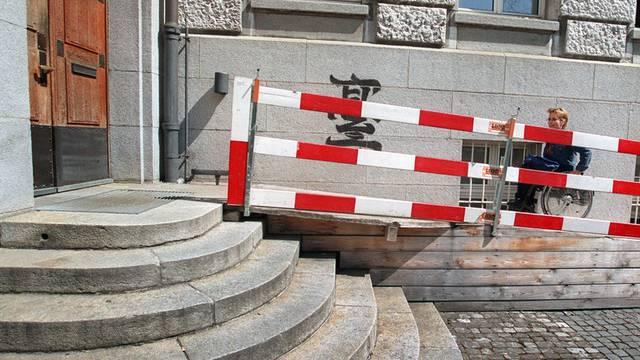 Der Nationalrat will vorwärtsmachen mit behindertengerechten Bauten (Symbolbild)