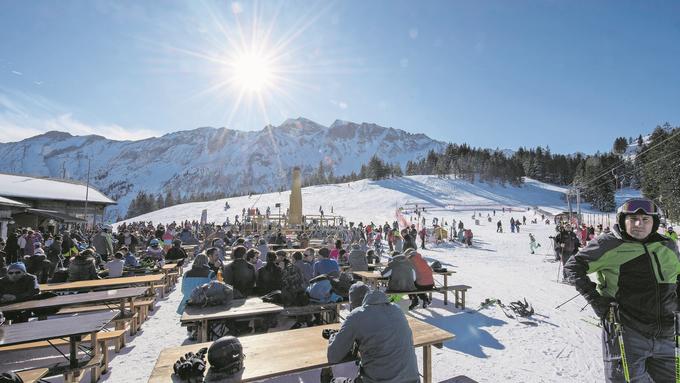Die Preise für Hotels und Restaurants steigen im Ausland viel stärker als in der Schweiz, was die Folgen der Frankenaufwertung für den Tourismus mindert.