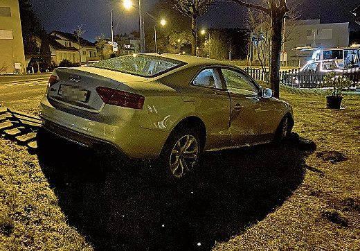 Holziken: Am 2. Februar 2020, einem Sonntagabend, verlor ein 20-jähriger Automobilist in Holziken bei Abbiegen die Herrschaft über seinen Wagen