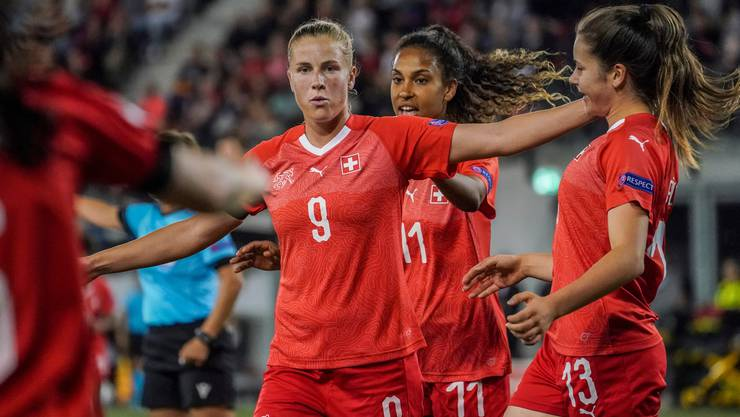 Der 54. Treffer im Nationaltrikot:  Ana-Maria Crnogorcevic jubelt über ihren Treffer zum 4:0 gegen Litauen.