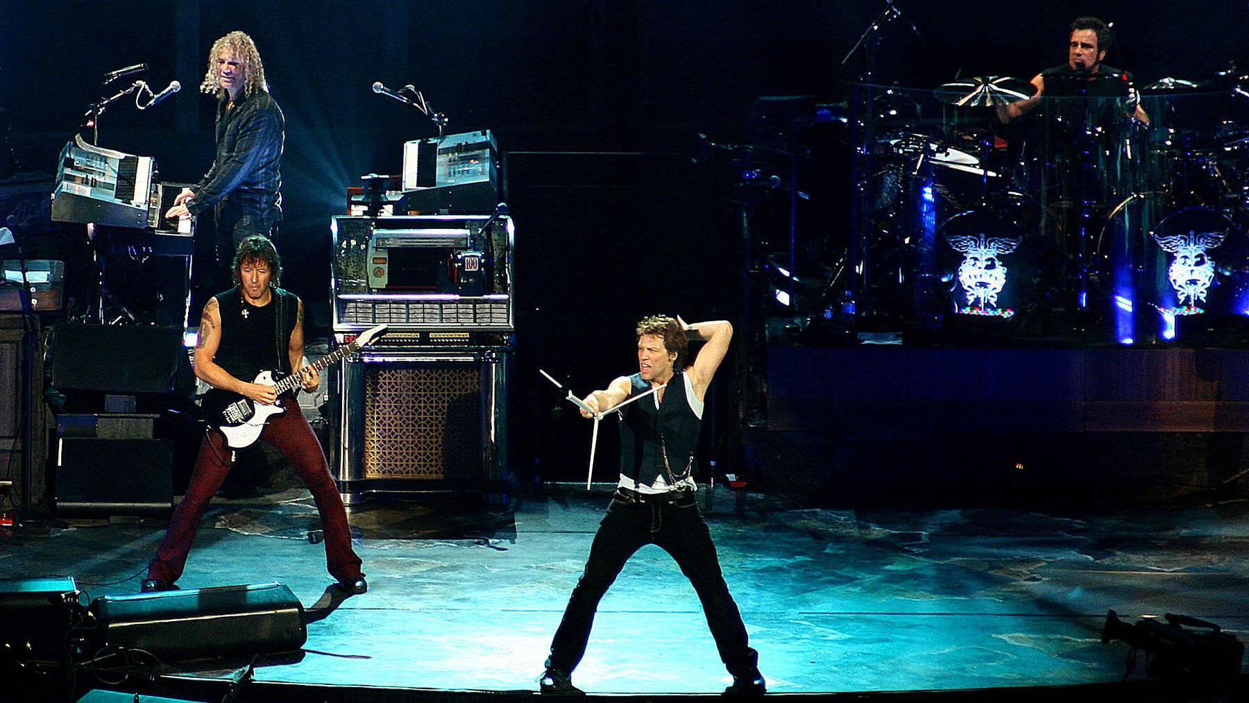 Kauft sich Bon Jovi ein eigenes Football-Team?