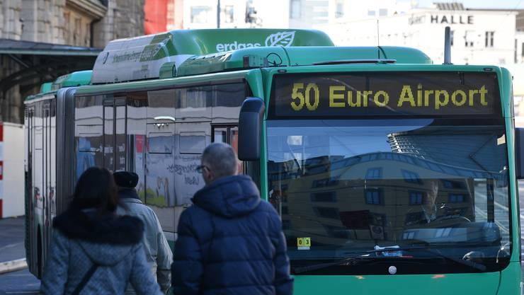 Laut Medienstelle der Basler Verkehrs-Betriebe wurden auf der Linie 50 im Jahr 2017 knapp 4,7 Millionen Passagiere befördert.