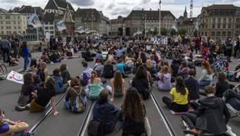 Im Juni wurden die Frauentag-Demonstrantinnen von der Polizei eingekesselt.
