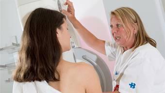 Roche hat von der EU eine Zulassung für ein Medikament zur Behandlung von fortgeschrittenem Brustkrebs erhalten (Symbolbild)