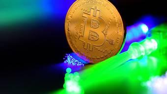 Ein Bitcoin kostete am Montag zeitweise 7'551 Dollar - das ist fast doppelt so viel wie noch Ende 2018. (Themenbild)