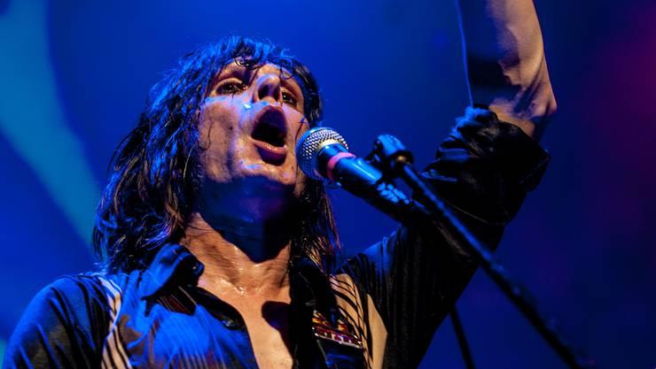 Sänger Martin Guevara von «Capsula» überzeugt mit einer mitreissenden Show.