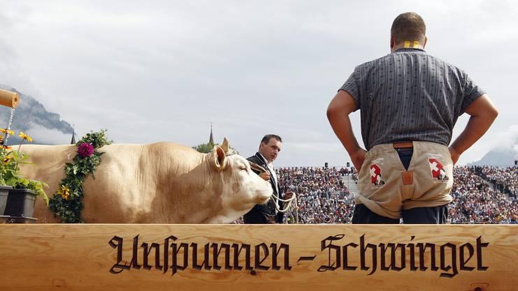 Unspunnen-Schwinget in Interlaken: Den «Bösen» über die Schultern schauen.